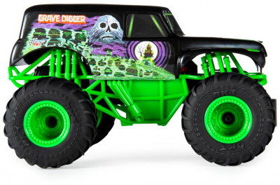 Іграшкова машинка на р/к Monster Jam Grave Digger RC 1:24 в коробці 14.5x28.5x15 см (6044955)