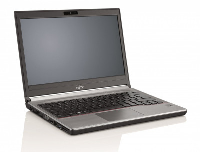 Ноутбук Fujitsu LIFEBOOK E746-Intel-Core-i5-6200U-2,3GHz-8Gb-DDR4-256Gb-SSD-W14-Web-(B)- Б/В