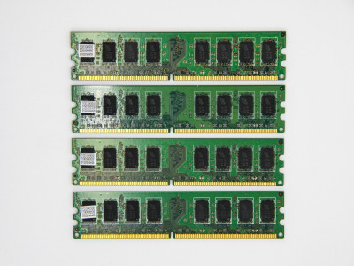 Оперативна пам'ять Micron DIMM 8Gb (4*2Gb) DDR2 800MHz PC2-6400 CL6 (MT16HTF25664AY-800J1) Refurbished