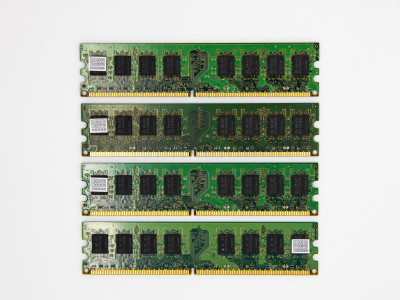 Оперативна пам'ять Samsung DIMM 8Gb (4*2Gb) DDR2-800MHz PC2-6400 CL6 (M378T5663QZ3-CF7) Refurbished