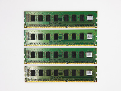Оперативна пам'ять Samsung DIMM 16Gb (4*4Gb)DDR3-1333MHz PC3-10600 CL9 (M378B5273CH0-CH9) Refurbished